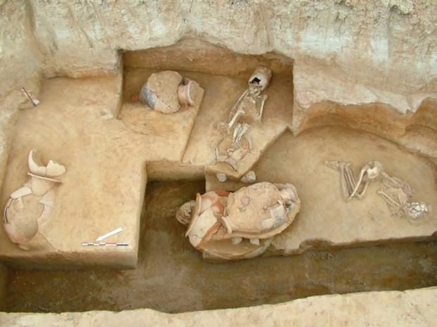 FALIRO ─ vaikuttava hautausmaa päivänvaloon // ΦΑΛΗΡΟ: Στο φως εντυπωσιακή νεκρόπολη